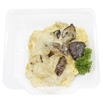 Hake Fillet with Mushrooms in Alfredo Sauce
