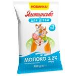 Yahotynske Dlya Ditey Ultrapasteurized Milk 3,2% 900g