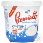Сметана Премиалле термостатная 15% 300г пластиковый стакан Украина