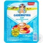 Сир кисломолочний 5% Слов'яночка 270 г ванночка
