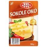 Сыр Mlekovita Сокол Око копченый нарезанный 45% 150г - купить, цены на Метро - фото 1