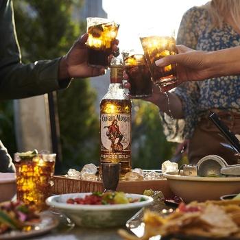 Напій алкогольний Captain Morgan Spiced Gold на основі Карибського рому 35% 1л - купити, ціни на Novus - фото 4