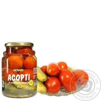 Асорті томати огірки мариновані Novus 850г - купити, ціни на Novus - фото 1