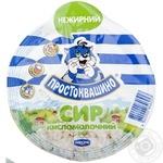 Творог Простоквашино зернистый кисломолочный нежирный 300г Украина