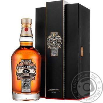 Виски Chivas Regal 25 лет 40% 0,7л  в подарочной упаковке - купить, цены на Novus - фото 1