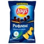 Чіпси картопляні Lay's зі смаком сметани та цибулі рифлені 200г - купити, ціни на МегаМаркет - фото 1