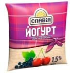 Йогурт Славия со вкусом вишни-черная смородина 1,5% 400г
