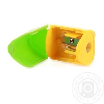 Чинка пластикова з контейнером - купити, ціни на Ашан - фото 2