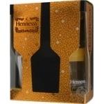 Коньяк Hennessy подарочный с бокалом 0,7л