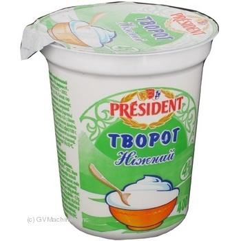 Творог Президент нежный 4% 400г Украина