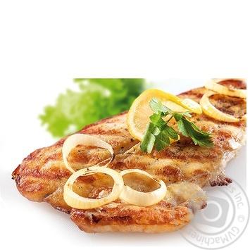 Риба пангасіус з цибулею гриль
