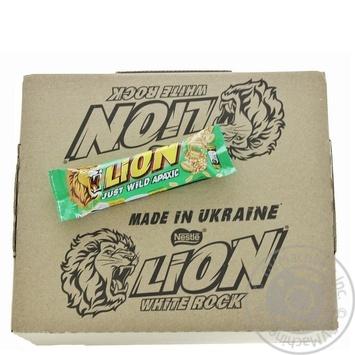 Candy bar Lion peanuts