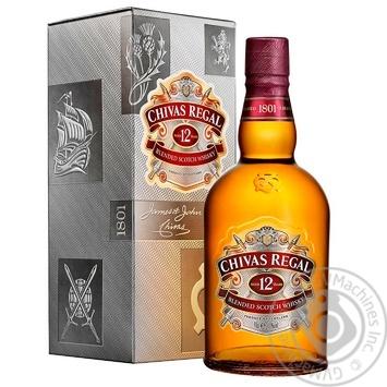 Виски Chivas Regal 12 лет 40%  0,7л в подарочной упаковке - купить, цены на Ашан - фото 1