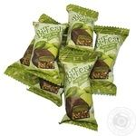 Lucas BiFesti candies with a taste of lime weighable