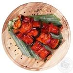 Шашлычок с лососем, цукини и луком в маринаде охлажденный