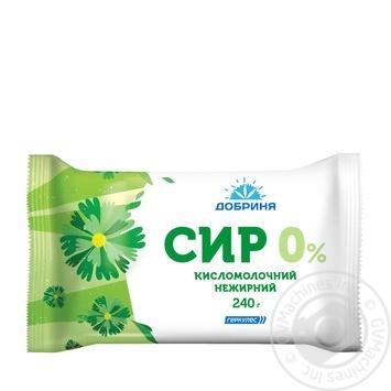 Творог кисломолочный Добриня 0% 240г пленка Украина