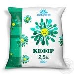 Кефир Добрыня 2,5% 500г пленка Украина