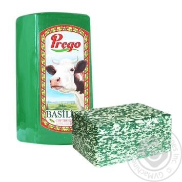Сыр твердый Prego Basilico 50% весовой