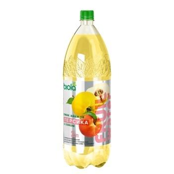 Напиток Biola сильногазированый со вкусом айвы и персика 2л