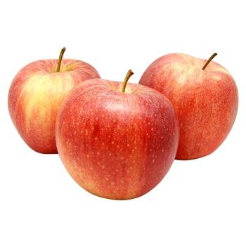 Яблоко Гала - купить, цены на Фуршет - фото 1
