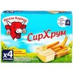 Сыр плавленый Веселая Коровка СырХрум с хлебными палочками 45% 140г