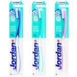 Jordan Clean Between Medium of Average Rigidity Toothbrush 1pc