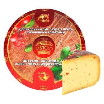 Сир Мукко з песто та в'яленими томатами ваг. 49,2%
