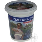 Сметана Главмолоко 15% 380г пластиковий стакан Україна