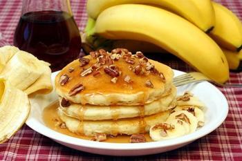 Бананові оладки на молоці