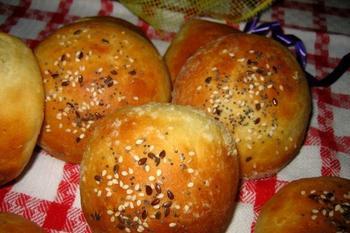 Турецькі булочки з картоплею і сиром фета