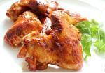 Куриные крылышки, маринованные в соевом соусе и кетчупе