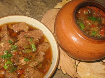 Острое мясо по-аргентински в горшочке