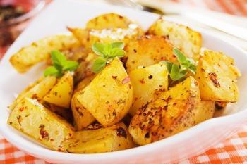 Гострі запечені картопляні шматочки