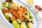 Салат из курицы с овощами под томатным соусом