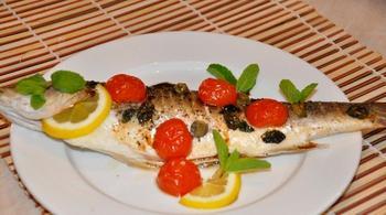 Рыба с мятой и помидорами черри