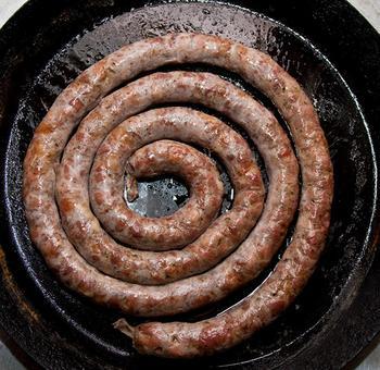 Смажена домашня ковбаса