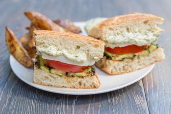 Середземноморський сендвіч