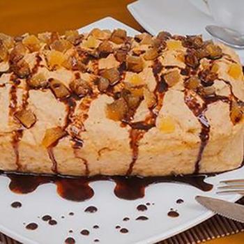 Пряничный пирог с шоколадным соусом (в микроволновке)