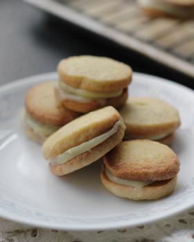 Ванільне печиво з вершковою начинкою