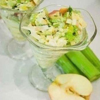 Салат із селери з йогуртом