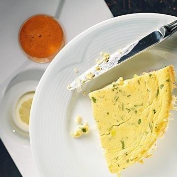 Омлет-суфле с ветчиной и сыром