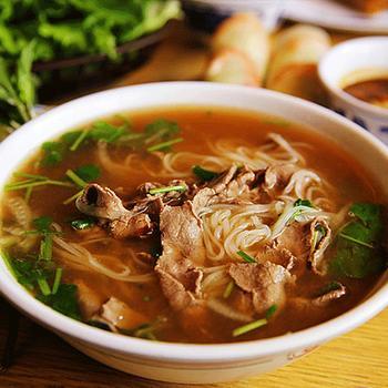 Суп с говядиной и лапшой