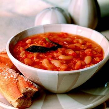 Суп с фасоли и пасты