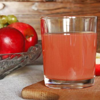 Яблучно-шипшиновий компот