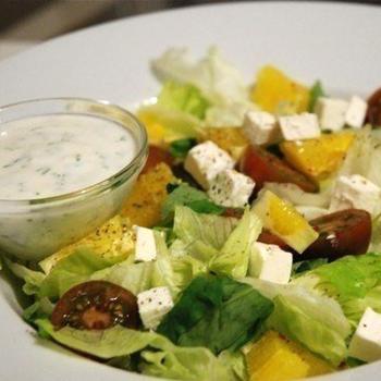 Салат с черри, апельсинами и фетой
