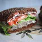Теплый сырный сэндвич с печенью