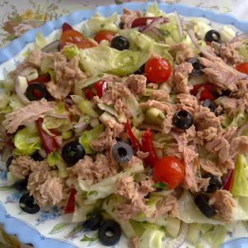 Салат з тунця і фенхеля по-тосканськи