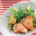 Салат з теплим лососем
