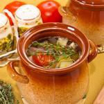 Суп с бараниной и овощами в горшочках