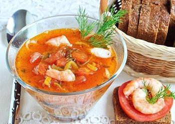 Томатний суп із локшиною